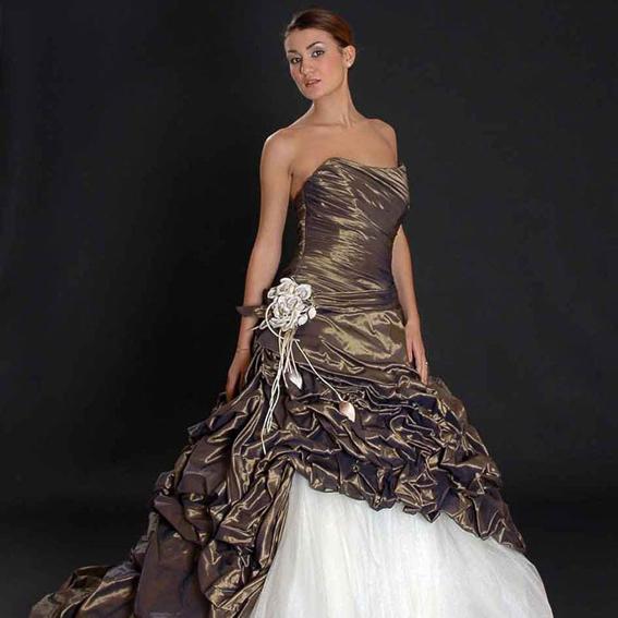 Ben noto I 10 vestiti da sposa più strani e belli che vorremmo indossare  ZH16