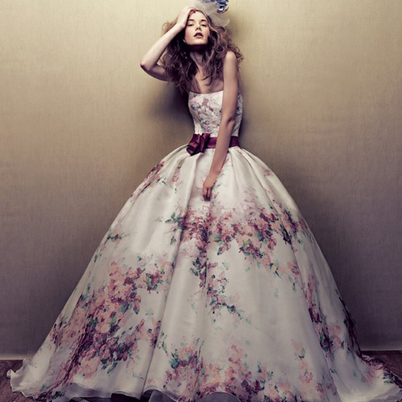 Souvent I 10 vestiti da sposa più strani e belli che vorremmo indossare  VX06